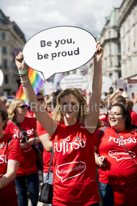 Fujitsu staff, Pride in London Parade 2016 - Jess Hurd - 2016-06-25