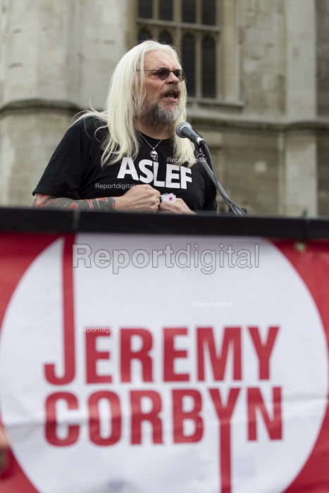 Tosh McDonald, ASLEF speaking Keep Corbyn, Build Our Movement rally against Blairite leadership challenge Parliament Square, Westminster, London - Jess Hurd - 2016-06-27