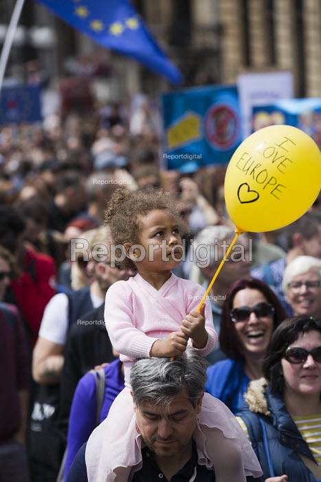 March for Europe against the Brexit EU referendum result, Central London. I love Europe - Jess Hurd - 2016-07-02