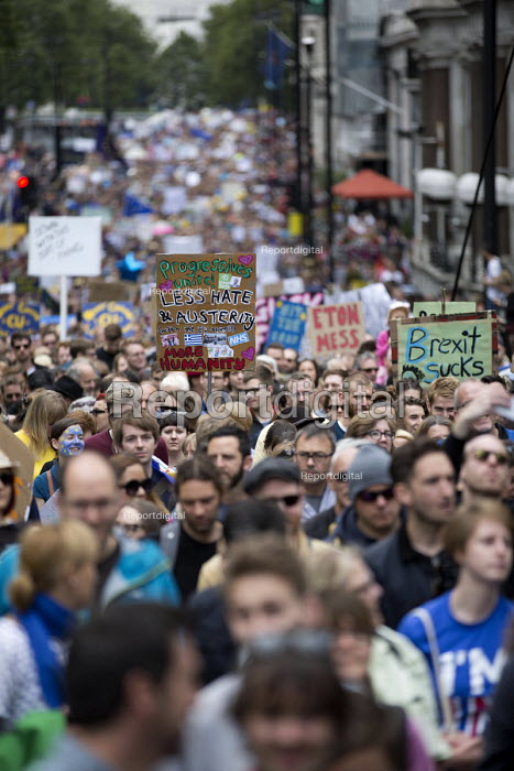 March for Europe against the Brexit EU referendum result, Central London. - Jess Hurd - 2016-07-02