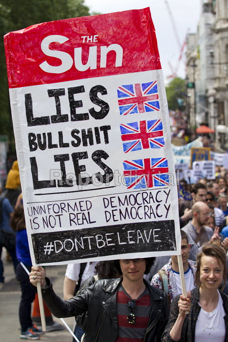 Anti Sun newspaper banner, March for Europe against the Brexit EU referendum result, Central London - Jess Hurd - 2016-07-02