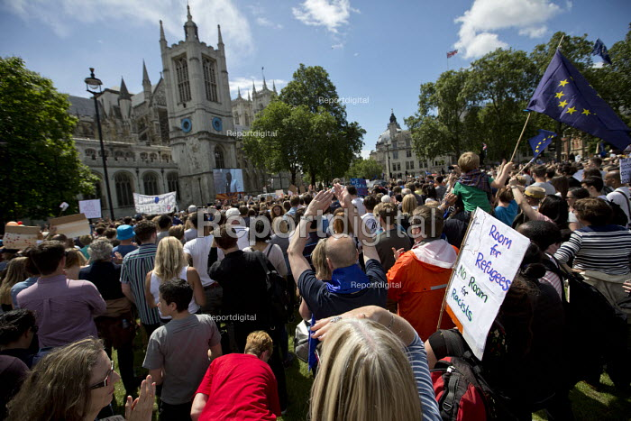 Anti racist placardMarch for Europe against the Brexit EU referendum result, Central London, room for refugees no room for racists - Jess Hurd - 2016-07-02
