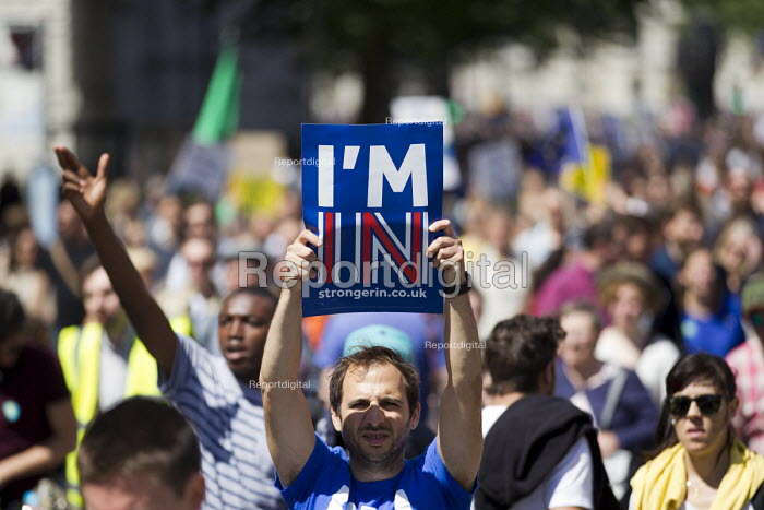 March for Europe against the Brexit EU referendum result, Central London. I'm in stronger in Europe - Jess Hurd - 2016-07-02