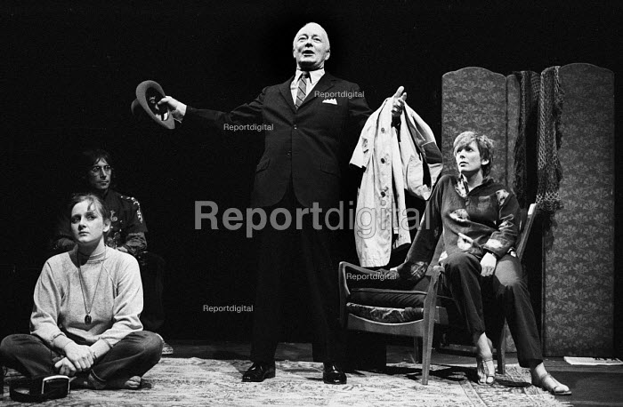 Maydays by David Edgar by RSC, The Barbican Theatre, London 1983. Don Fellows (C) with Anthony Sher (L) behind Lesley Sharp and Alison Steadman (R) - Stefano Cagnoni - 1983-10-14