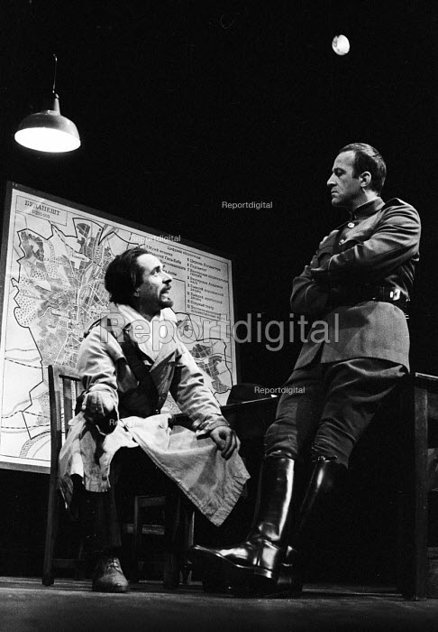 Maydays by David Edgar by RSC, The Barbican Theatre, London 1983 - Stefano Cagnoni - 1983-10-14