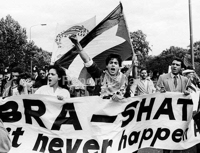 Sabra-Shatila Massacre, 1983. London, Protest in support of the Palestinian people on the first anniversary of the 1982 massacre at the Sabra and Shatila refugee camps in Lebanon. - Stefano Cagnoni - 1983-09-17