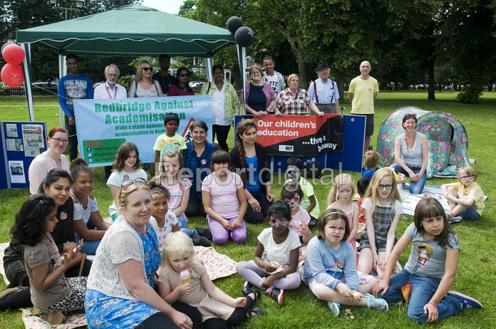 Redbridge Against Academisation RAA picnic organised by parents in solidarity with NUT strike, Christchurch Green, Wanstead - Stefano Cagnoni - 2016-07-05