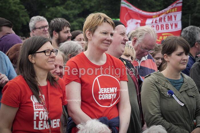Jeremy Corbyn supporters, Durham Miners Gala 2016, Co Durham - Mark Pinder - 2016-07-09