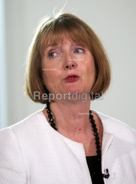 Harriet Harman MP introducing Angela Eagle Labour Party launching her leadership bid. Prominent Labour women applauding at a press conference launching her bid to become Leader of the Labour Party, London, 2016 - Stefano Cagnoni - 2016-07-11