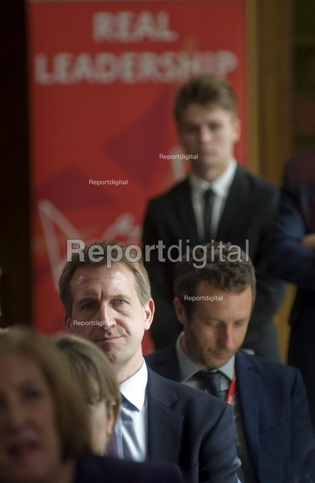 Angela Eagle Labour Party launching her leadership bid. Dan Jarvis MP, whom many have noted as a potential Labour Leader himself, watching from the shadows. - Stefano Cagnoni - 2016-07-11