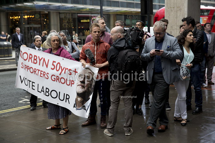 Jeremy Corbyn supporter outside an NEC meeting which will decide whether he is automatically on the ballot paper for the leadership challenge, Labour HQ, London. - Jess Hurd - 2016-07-12