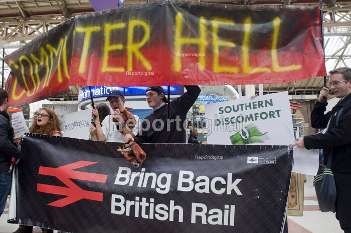 Commuters protest against the terrible service by Southern Rail, Victoria Station, London. Regular commuters complain the franchise has cut train services and they have experienced persistent delays and cancellations. Bring back British Rail, renationalisation - Stefano Cagnoni - 2016-07-11
