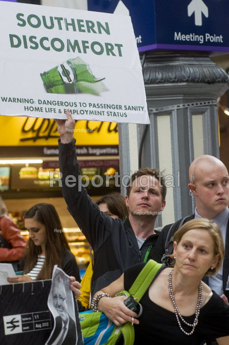 Commuters protest against the terrible service by Southern Rail, Victoria Station, London. Regular commuters complain the franchise has cut train services and they have experienced persistent delays and cancellations. - Stefano Cagnoni - 2016-07-11