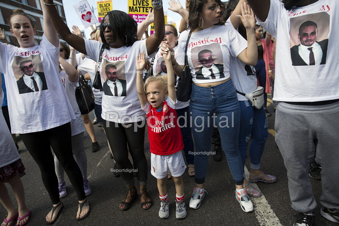 Hands Up Dont Shoot, Justice for Jermaine Baker campaign. Five years since the Tottenham Riots the Mark Duggan Justice Campaign Day of Action, Remembrance and Community Healing protest from Broadwater Farm to Tottenham Police Station, North London. - Jess Hurd - 2016-08-06