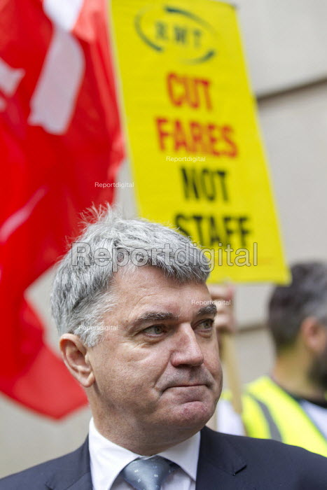Mick Cash, RMT joins Southern Rail guards strike protest outside the Department of Transport, Westminster, London. - Jess Hurd - 2016-08-10