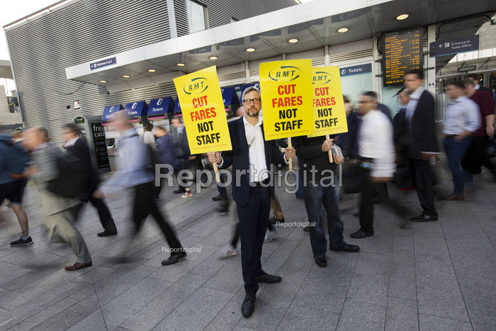 Action For Rail protest against rail fare rises and calling for public ownership, London Bridge Station, London. James Croy, RMT - Jess Hurd - 2016-08-16