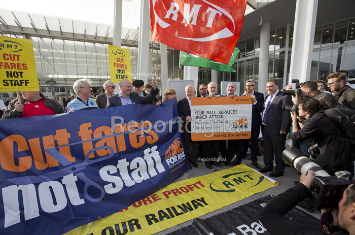 Jeremy Corbyn joining Action For Rail protest against rail fare rises and for public ownership, London Bridge Station, London. Cut Fares not Staff, Andy McDonald MP, Jeremy Corbyn, Mick Whelan ASLEF, ?, Manuel Cortes TSSA - Jess Hurd - 2016-08-16