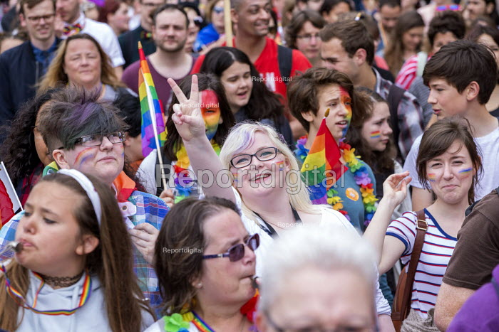 Pride Day Parade, Bristol - Paul Box - 2016-07-09