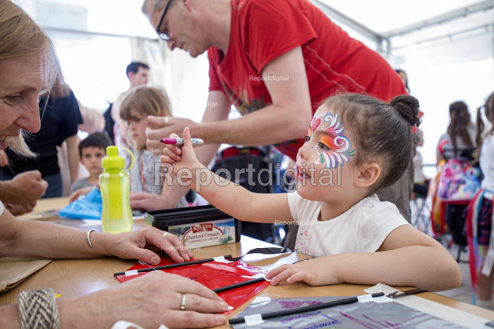 Pride Day Festival, Bristol. Children face painting - Paul Box - 2016-07-09