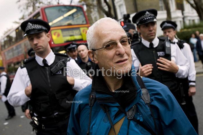 David Hoffman, photographer. Bash The rich, Class War demonstration, Notting hill. London. - Jess Hurd - 2007-11-03