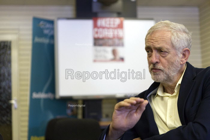 Jeremy Corbyn being interviewed by media, leadership election rally, Hanley, Stoke on Trent - John Harris - 2016-09-01