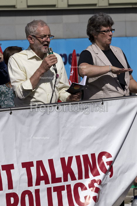 Jeremy Corbyn speaking, leadership election rally, Hanley, Stoke on Trent - John Harris - 2016-09-01