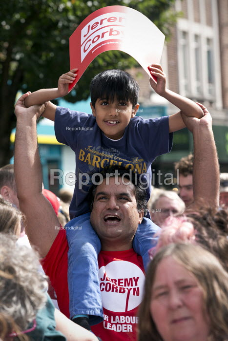 Farther and son, Jeremy Corbyn leadership election rally, Hanley, Stoke on Trent - John Harris - 2016-09-01