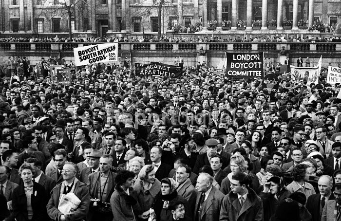 Rally in Trafalgar Square, London 1960 launching The Boycott Movement Month of Action to Boycott South Africa and the Apartheid regime. - Alan Vines - 1960-02-28