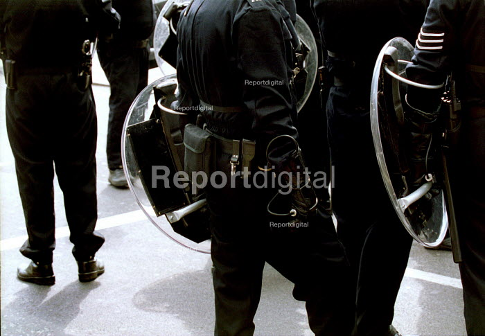 Metropolitan riot police at a 'Reclaim The Streets' May Day. London. - Mark Pinder - 2000-05-01