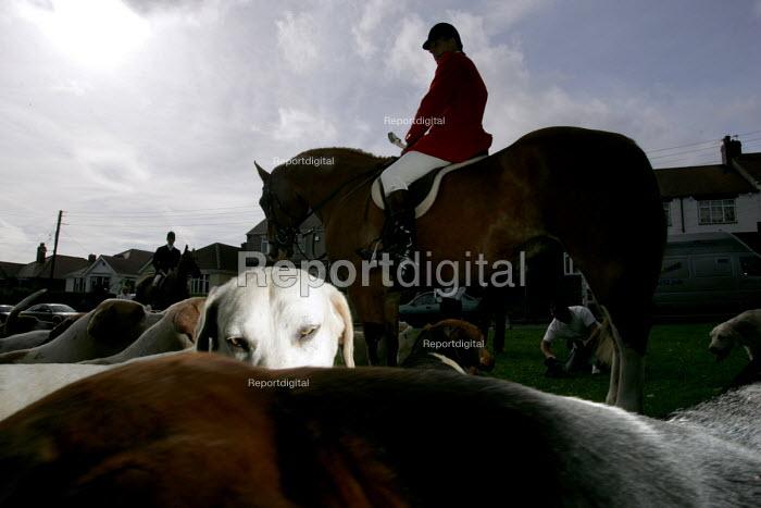 The South Durham Hunt Trimdon, Co Durham - Mark Pinder - 2004-09-11