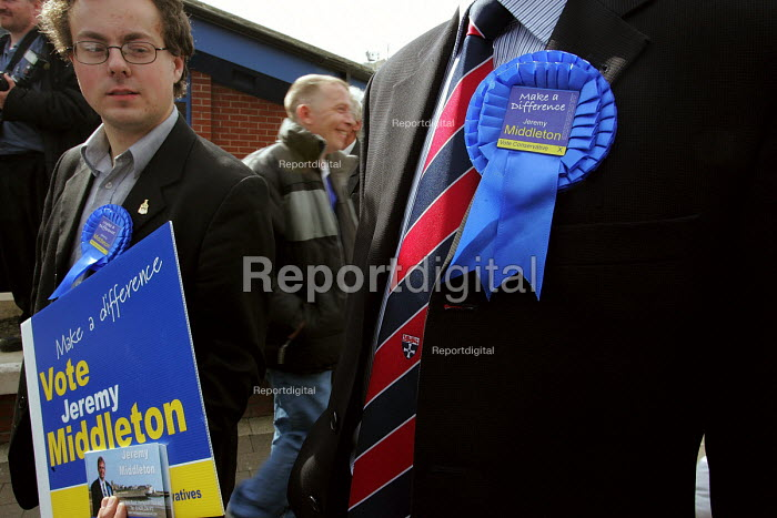 Hartlepool by election. Conservative leader Michael Howard visiting Hartlepool to support his candidate in the Hartlepool by election Jeremy Middleton - Mark Pinder - 2004-09-17