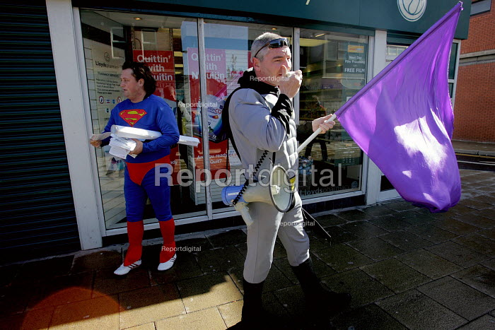 "Members of ""Fathers for Justice"" dressed as comic superheroes giving out leaflets in Hartlepool town centre. Seen here, Batman and Spiderman18/9 2004. - Mark Pinder - 2004-09-18"