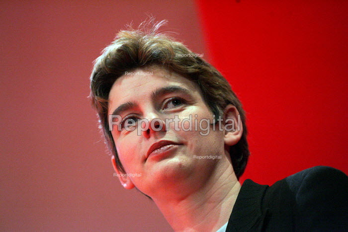 Ruth Kelly. 2005 Labour Party Spring Conference, The Sage, Gateshead On Tyne. 11/2 2005. - Mark Pinder - 2005-02-11