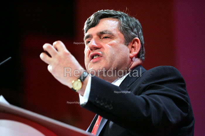 Gordon Brown. 2005 Labour Party Spring Conference, The Sage, Gateshead On Tyne. 12/2 2005 - Mark Pinder - 2005-02-12