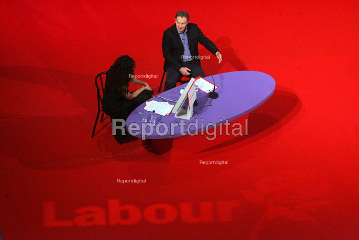 Tony Blair. 2005 Labour Party Spring Conference, The Sage, Gateshead On Tyne. 12/2 2005 - Mark Pinder - 2005-02-12