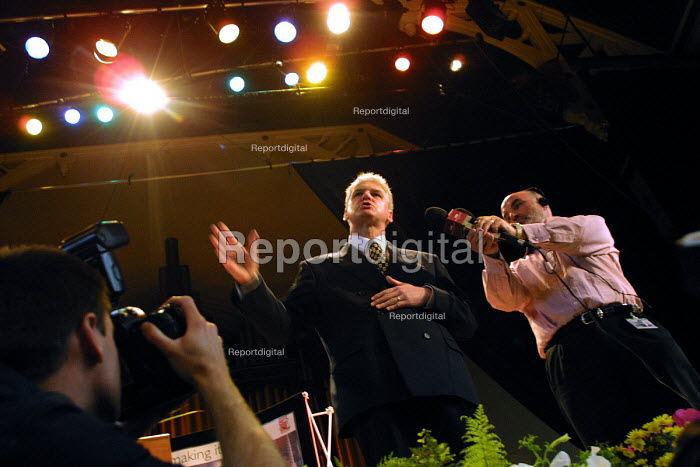 Former policeman Ray Mallon, dubbed Robocop who was the pioneer of Zero Tolerance policing in Britain at Middlesbrough Town Hall for the election count which will return him as the first elected mayor of the town. Seen here giving his acceptance speech. - Mark Pinder - 2002-05-03