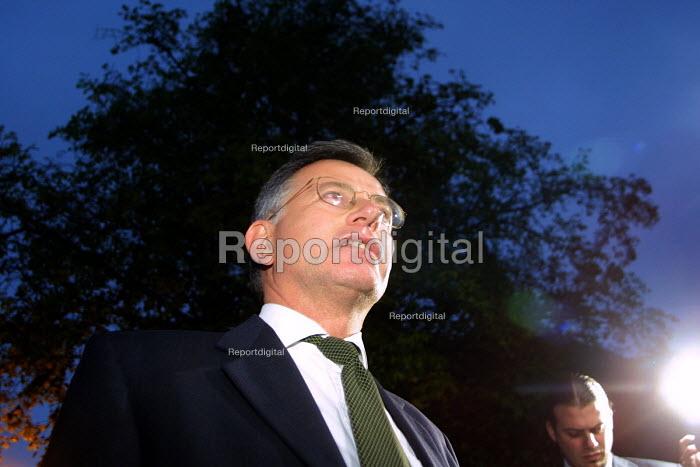 The ex secretary of state for transport, Stephen Byers MP arrives back at his home in Newcastle following his resignation - Mark Pinder - 2002-05-28