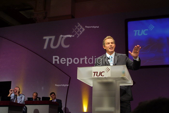 Prime Minister Tony Blair addresses 2002 TUC Conference Blackpool, 10/9 2002 - Mark Pinder - 2002-09-10