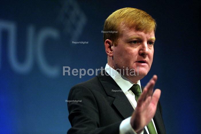 Liberal Democrat leader Charles Kennedy addresses the 2002 TUC conference, Blackpool. 11/9 2002. - Mark Pinder - 2002-09-11