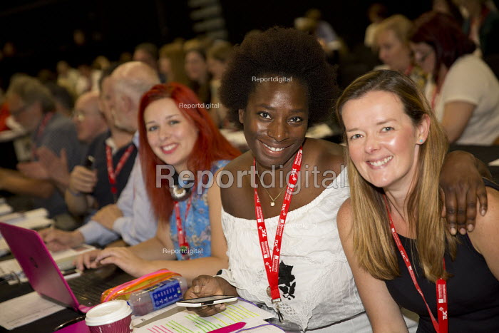 Young women Equity delegates at TUC conference Brighton. - Jess Hurd - 2016-09-13