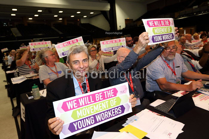 Dave Prentis UNISON supporting young workers TUC conference Brighton. - Jess Hurd - 2016-09-12