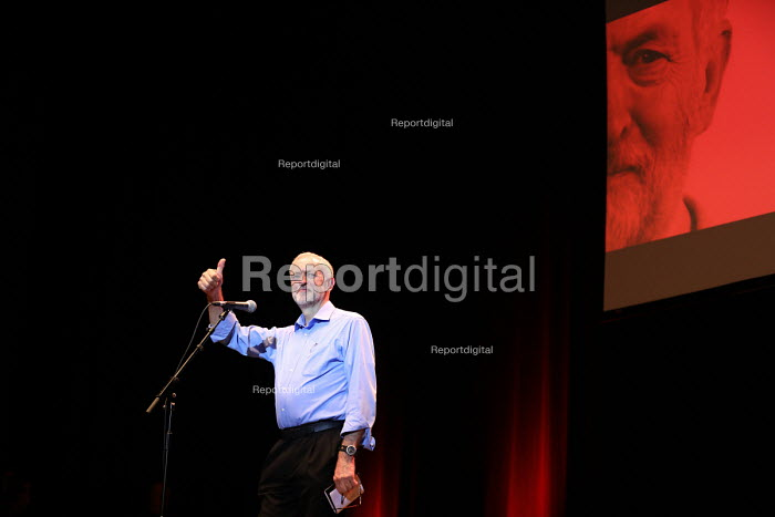 Jeremy Corbyn speaking Momentum meeting hosted by PCS, TUC Congress, Brighton. - Jess Hurd - 2016-09-13