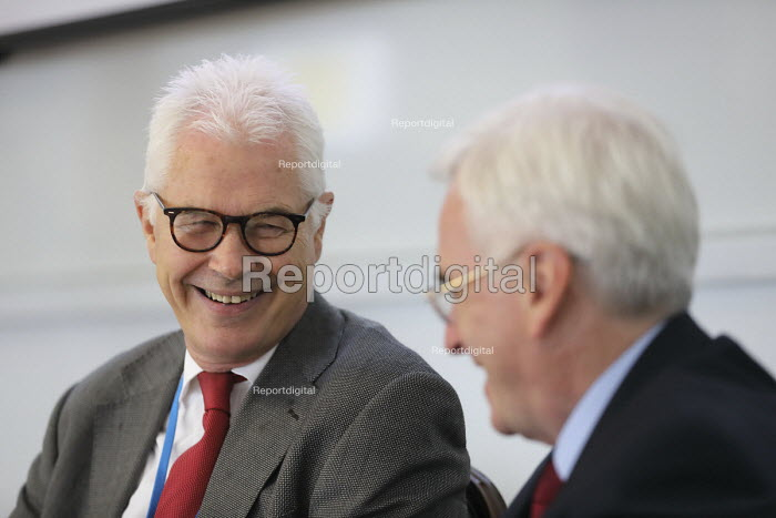 John Hendy QC speaking at Bullying and Blacklisting Conference, Greenwich University, South London. - Jess Hurd - 2016-09-16