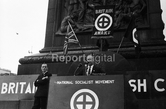 Neo-Nazi Colin Jordan speaking to National Socialist Movement fascist rally, Trafalgar Square 1962, leading to a riot after 'Free Britain From Jewish Control' speeches were heard by anti-fascist protestors opposing the fascist meeting. - Alan Vines - 1962-07-01
