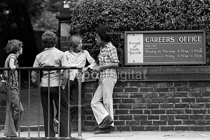 Unemployed school leavers, all with GCSE and CSE passes in their exam results at the careers office, Westoe, South Shields, summer, 1975 - Ray Smith - 1975-08-28