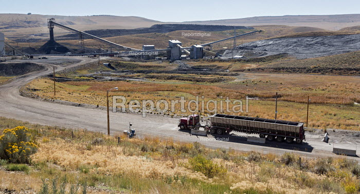 Oak Creek, Colorado, Weighing an empty coal lorry before loading with coal, Peabody Energy Twentymile Mine - Jim West - 2016-09-19