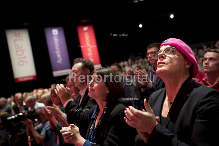 Eddie Izzard and shadow cabinet during a tribute to Jo Cox MP, Labour Party conference Liverpool. - Jess Hurd - 2016-09-25
