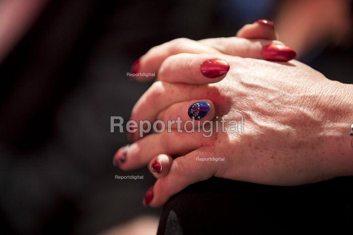 Eddie Izzard EU nail art, Labour Party conference Liverpool - Jess Hurd - 2016-09-25