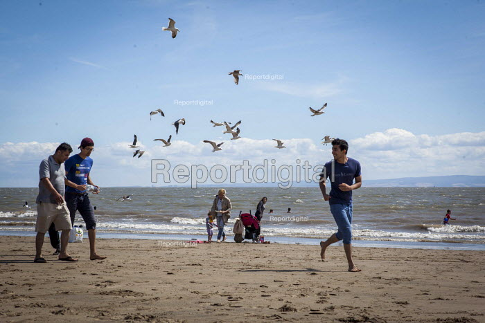 Tourists enjoying the beach. Barry Island Pleasure Park, South Wales - Connor Matheson - 2016-07-31