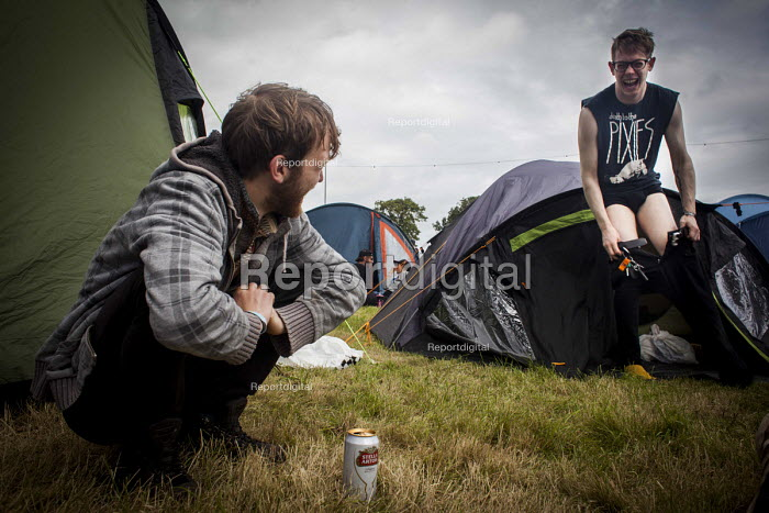 Music fans camping at the ArcTanGen Music Festival. Bristol - Connor Matheson - 2016-08-20